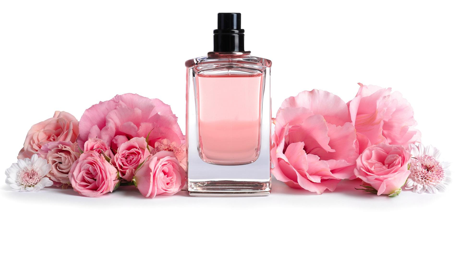 Perfumes nicho con aroma de rosas
